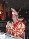 Prinz Oliver I. amüsiert sich köstlich beim Lohfeldener Karneval 2003/2004