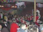 """Schon vor Beginn der Prunksitzung 2003 sorgten die holländischen Freunde für eine ausgelassene Stimmung. Die Kapelle """"Tusse"""