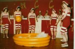 """""""Steck die Badehose ein"""" - Schautanz der Funkengarde 1978 - doch da fehlt doch noch einer..."""