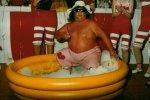 """... genau - Präsident Rolf Meibert - oder """"Der Dicke"""", wie er liebevoll genannt wurde, beim Badespaß."""